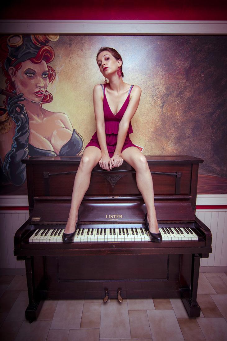 Ragazza al Piano 04