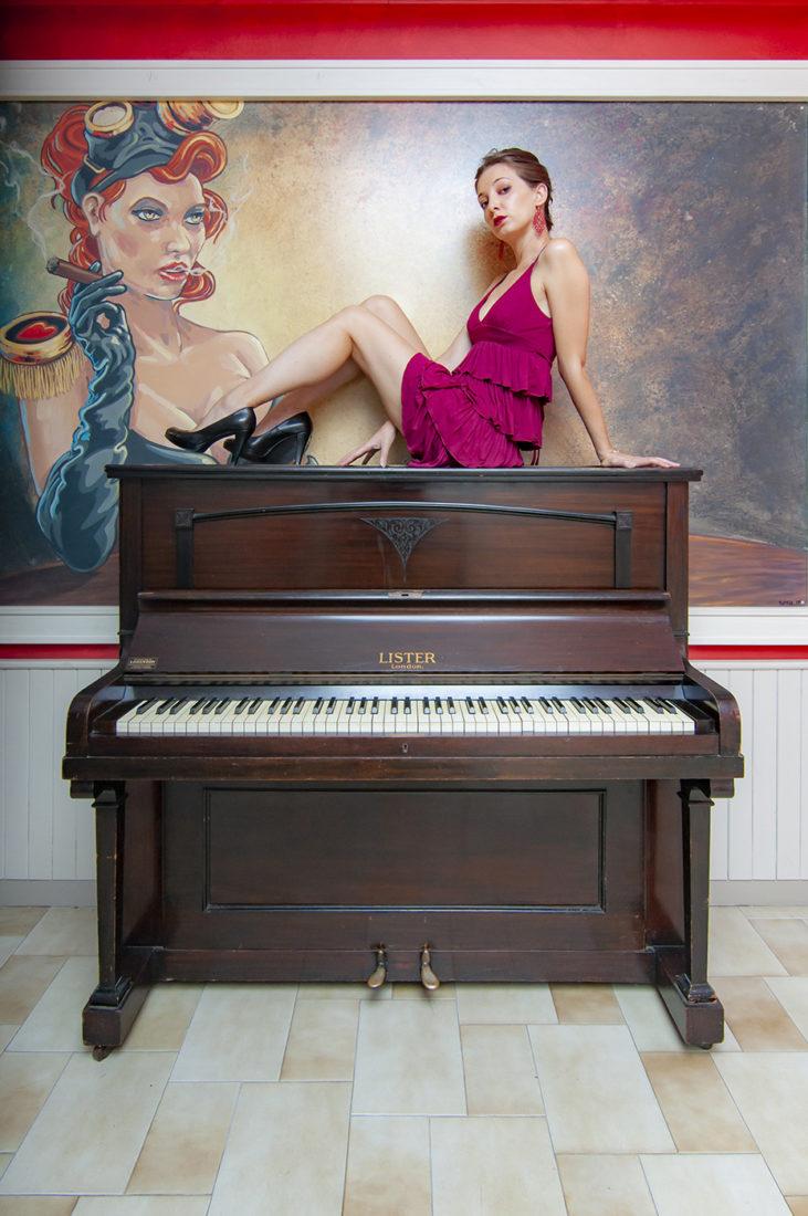 Ragazza al Piano 05